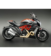 DUCATI DIAVEL CARBON ROUGE 1:12 MAISTO