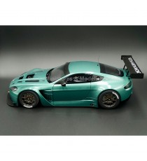 ASTON MARTIN V12 VANTAGE GT3 VERT BODY VERSION 1:18 AUTOart