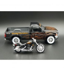 FORD PICK-UP F-350 SUPER DOI + HARLEY DAVIDSON FXSTB NIGHT TRAIN 1:24-27 MAISTO