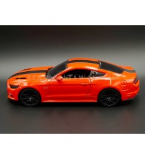 FORD MUSTANG GT 2015 ROUGE 1:24 MAISTO