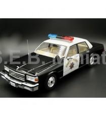 CHEVROLET CAPRICE CLASSIC SEDAN POLICE CALIFORNIA AUTOROUTE PATROL 1:18 MGC