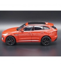 JAGUAR F-PACE DE 2016 ROUGE MÉTALLISÉ 1:24 WELLY