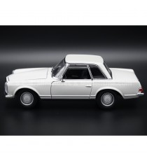 MERCEDES 230 SL DE 1963 W113 BLANC 1:24 WELLY