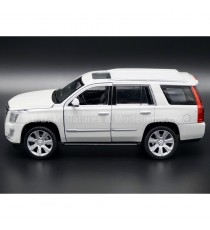 CADILLAC ESCALADE DE 2017 BLANC 1:24 WELLY