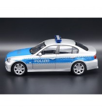 BMW 330i POLIZEI ( POLICE ALLEMANDE ) GRIS METAL/BLEU 1:24 WELLY
