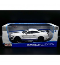 FORD MUSTANG SHELBY GT500 2020 BLANC / BLEU 1:18 MAISTO SOUS BLISTER