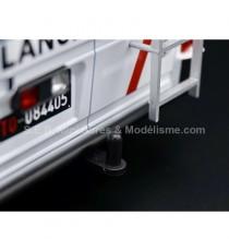 FIAT 242 MARTINI RALLY TEAM ASSISTANCE 1:18 IXO-MODELS AVEC ATTELAGE REMORQUE