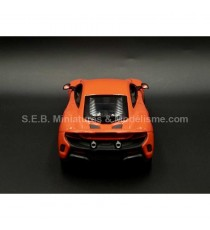 McLAREN 675 LT COUPE ROUGE 1:24 WELLY FACE ARRIERE