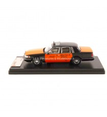 LINCOLN TOWN CAR TAXI USA YELLOW CAB 1966 - 1:43