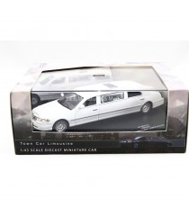 LINCOLN TOWN CAR LIMOUSINE BLANCHE 1:43 VITESSE