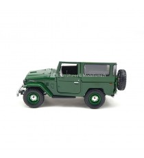 TOYOTA LAND CRUISER F J40 VERT AVEC HARD-TOP 1:24 MOTORMAX