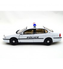CHEVROLET IMPALA DE 2001 POLICE USA 1:24 WELLY