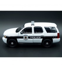 CHEVROLET TAHOE 2008 BLANC GENERAL MOTORS VEHICULE DE POLICE 1:24 WELLY